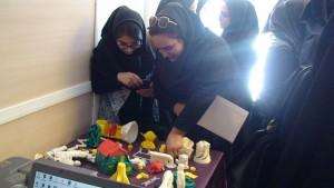 تصاویر بازدید دانشجویان دانشکده ولیعصر از کارگاه پرینتر و اسکنر های سه بعدی